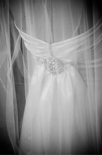 Real Weddings: Nicole and Kent :  wedding features Z121348112.jpg